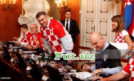 Xorvatiya hukumati ishga terma libosida bordi FOTO
